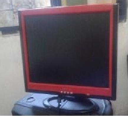 Monitor Lcd Goldship 17 Vermelho