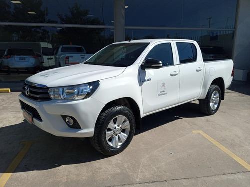 Toyota Hilux 4x2 D/c Sr 2.4 Tdi 6 M/t 2017