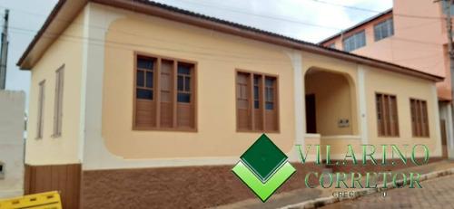 Imagem 1 de 5 de Linda Casa No Centro De Peçanha - 3064