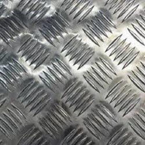 Imagem 1 de 4 de Chapa Xadrez De Alumínio Esp. 1,2mm - 2 X 1m (peça)