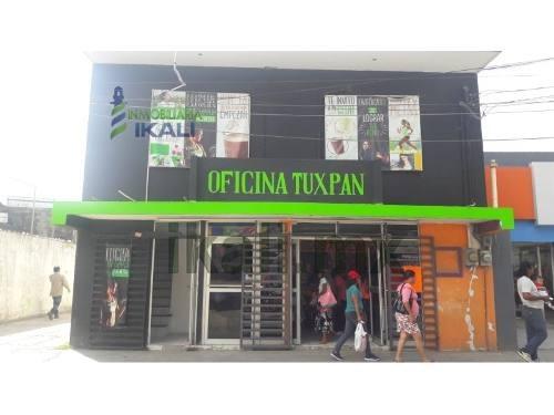 Venta Casa / Locales Comerciales Centro Tuxpan Veracruz. Venta De Casa Con Local Comercial En La Parte Frontal De La Propiedad. El Local Consta De Dos Plantas, Y Un Medio Baño En La Planta Baja, Su S