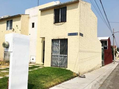 Casa Con 3 Recamarás En Esquina En Arroyos De Xochitepec