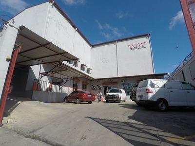 Edificio Nave En Venta Zona De Herrera