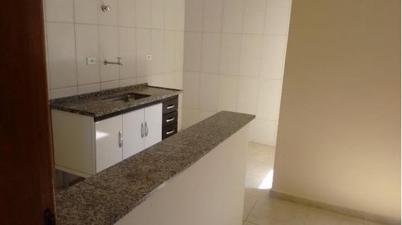 Casa Em Jardim Três Marias, Taboão Da Serra/sp De 40m² 1 Quartos Para Locação R$ 750,00/mes - Ca394338