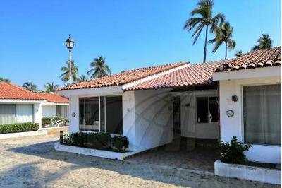 Casas En Venta En Soleares, Manzanillo