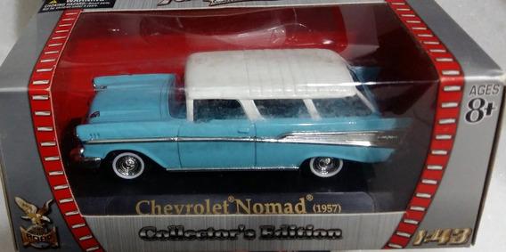 1957 Chevrolet Nomad Yatming Road Signature Esc. 1:43