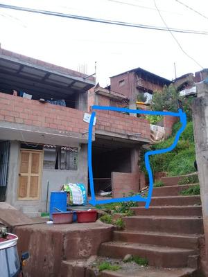 Casa Costruida Sin Divisiones Con Segundo Piso. Con Columna