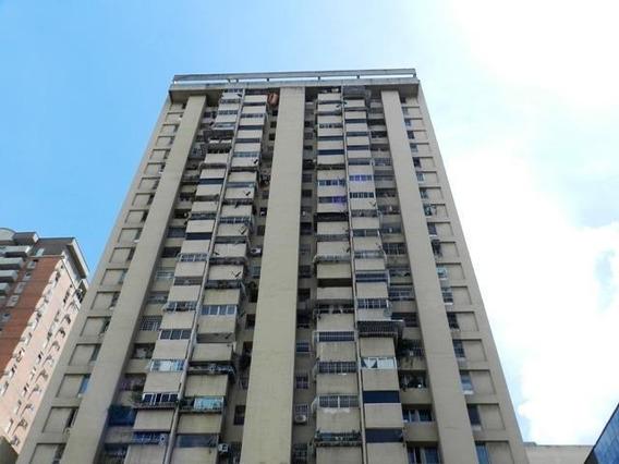 Apartamentos En Venta Mls #19-15988
