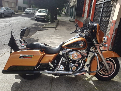 Imagen 1 de 12 de Harley Davidson Street Glide