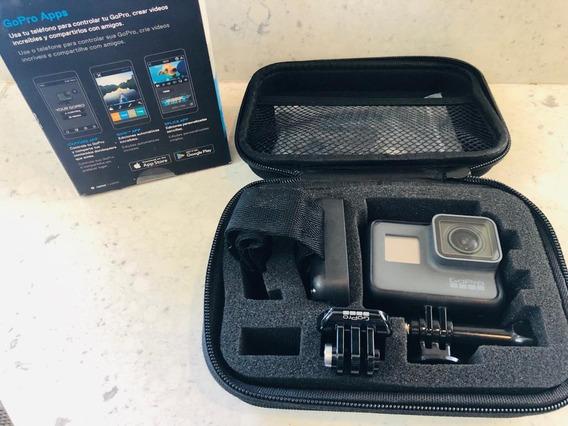 Cámara Gopro 5 4k Con Estuche Baston De Selfie Accesorios