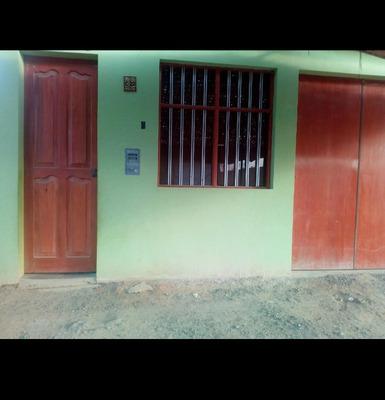 Casa De 2 Cuartos Y 1 Baño