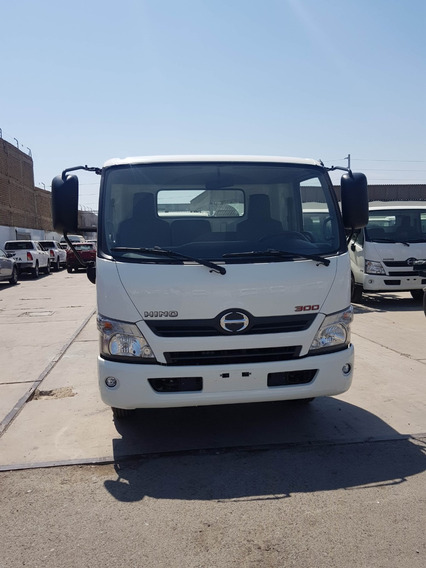 Camion Hino Dutro 4