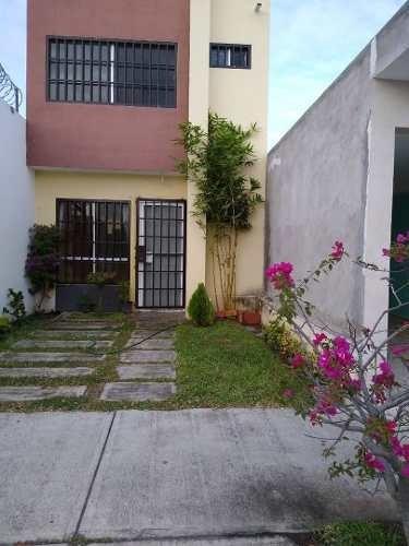 Casa En Renta Boulevard Los Lagos , Fracc. Lagos De Puente Moreno