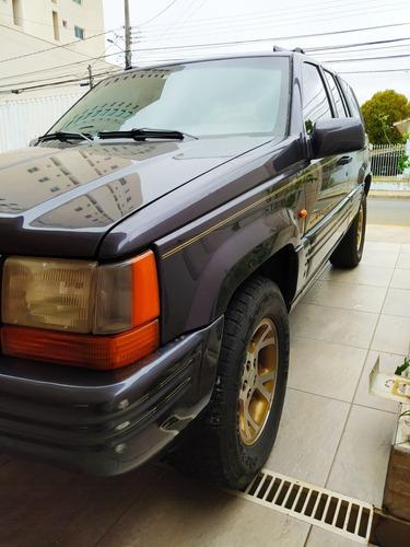 Imagem 1 de 10 de Jeep Grand Cherokee 5.2 Limited V8