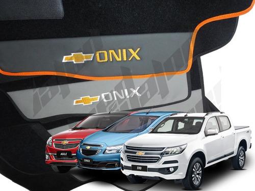 Imagem 1 de 6 de Tapete Onix Agile S10 Carpete Carro Gm Bordado