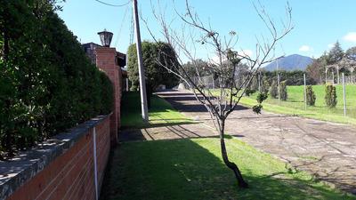 Ubicada En Boulevard Chiluca-espíritu Santo Km2.6 1000m2t
