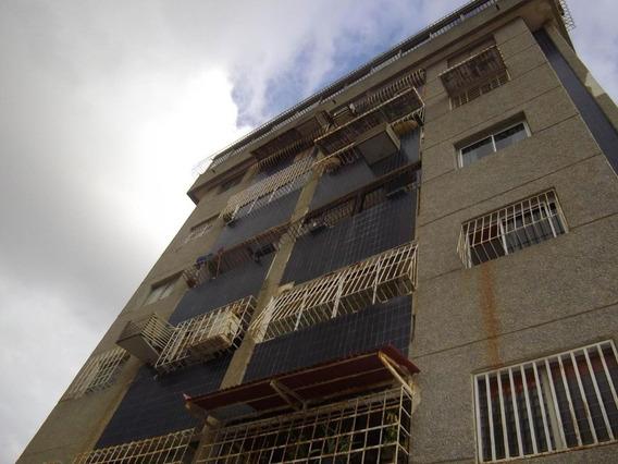Luis Infante Mls# 20-1916 Apartamento En Alquiler