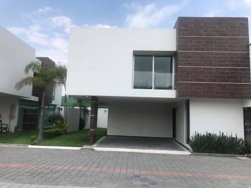 Modernas Casas Dentro De Exclusivo Residencial En Metepec