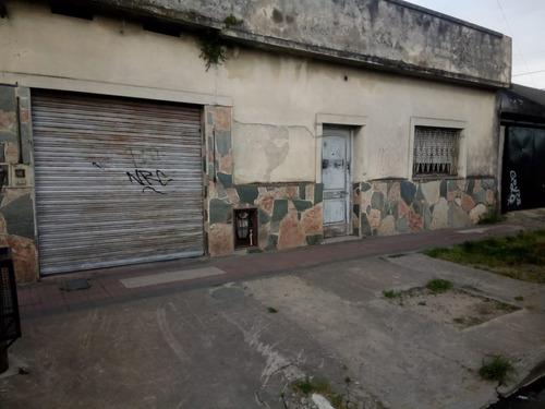 Se Vende Casa Con Local En Quilmes Oeste.