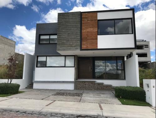 Casa En Venta En Cañadas Del Lago