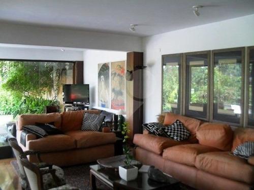Linda Casa No Morumbi Com Ambientes Espaçosos E Belíssimo Jardim Com Piscina - 3-im16861