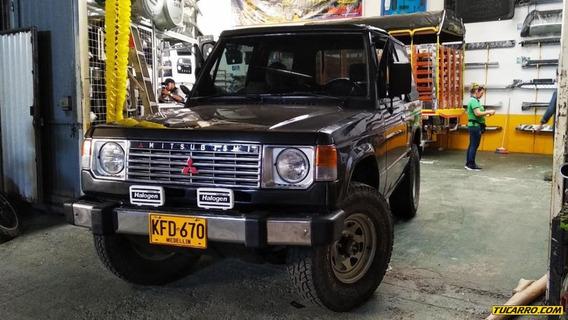 Mitsubishi Montero 1985