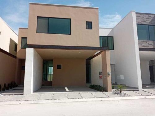 Casa En Venta Santiago, N.l.