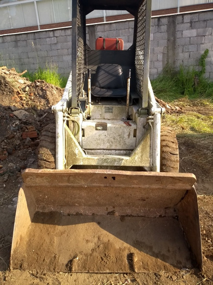 Bob Cat 711 Trator Motor 2 Cilindro