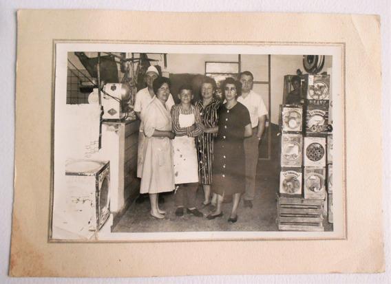 Antigua Fotografia Latas Galletitas Almacen Temperley 1956