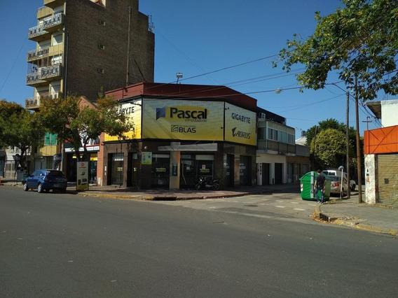 Local - Azcuenaga