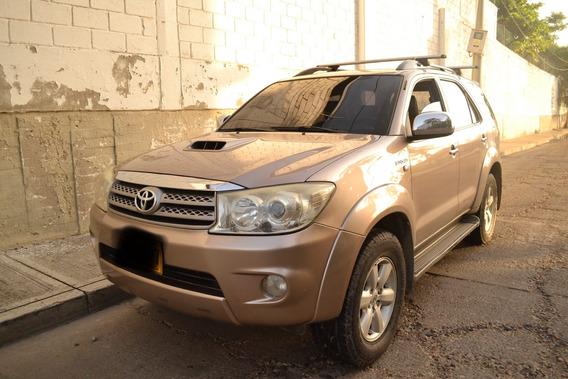 Toyota Fortuner Fortuner Sr5 At 3000 Td 2009