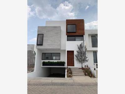 Casa Sola En Venta Residencial En Zona Plateada, Excelente Ubicación, Equipada
