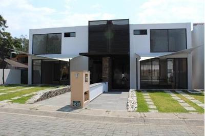 Casa En Fraccionamiento En Ahuatepec / Cuernavaca - Roq-480-fr