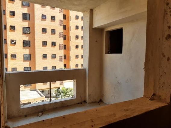 Apartamento En Venta. Maracay. Cod Flex 20-11480 Mg