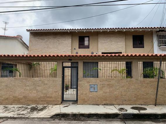Metroinmuebles Vende Quinta Comercial, Los Sauces 0945