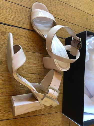 sesión voluntario opción  Sandalias Prune Modelo Botticelli En Cuero Charol Color Nude | Mercado Libre