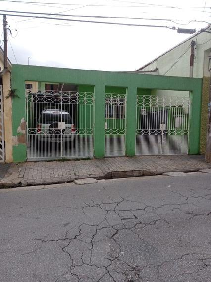 Casa 6 Cômodos/ 2 Banheiros/ Garagem 3 Carros.
