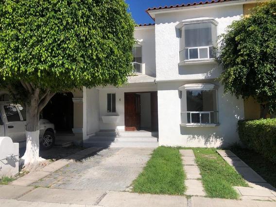 Casa En Renta En Privada Alamos 3ra Queretaro Rcr200714-mg