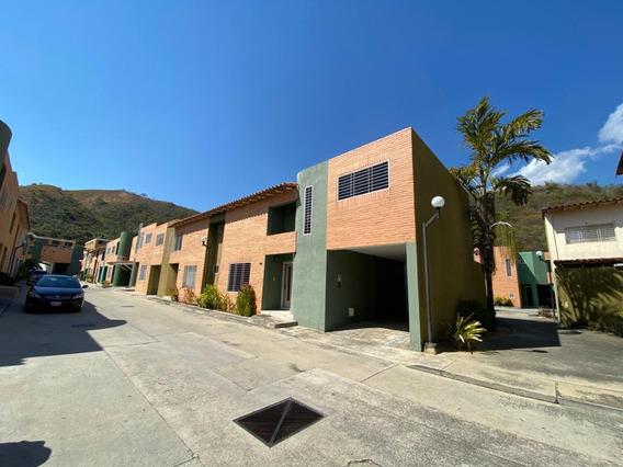 Town House En Venta Resd. Pozo Esmeralda Nm