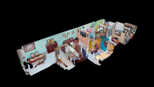 Piensa En Grande Casa Sola Construida En 1 Nivel.
