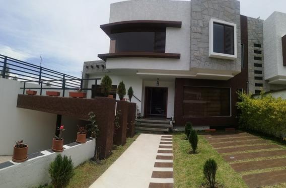 Casa De 4 Dormitorios Y 6 Baños En Challuabamba