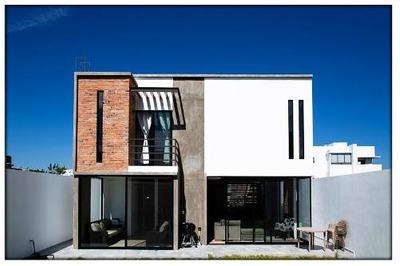 Casa En Renta - Zibata - C1328