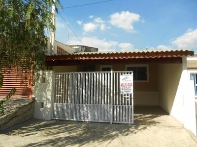 Alugo Maravilhosa Casa Com 2 Dorm E Garagem Coberta Na Villa - Al184