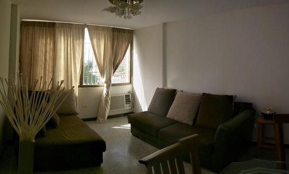 Apartamento Alquiler Ave. Santa Rita Maracaibo