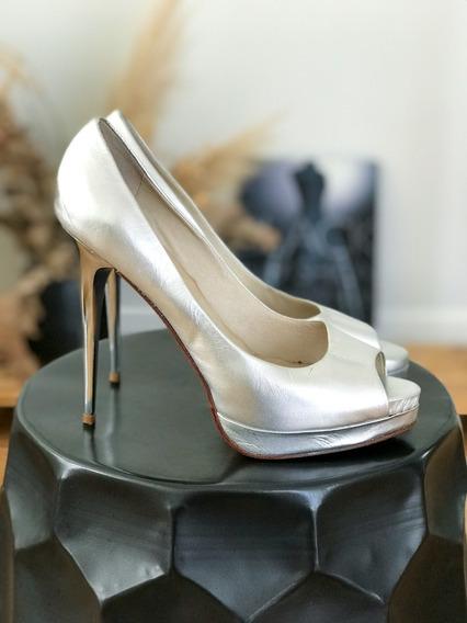 Sandalias Zapatos Sarkany Plateadas Talle 40