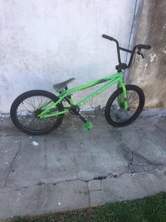 Bicicleta Raleigh Jump 3