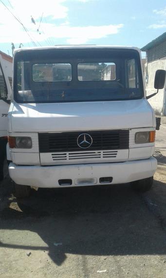Mercedes Benz 711