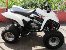 Vendo Cuatrimoto Yamaha 4x2 Motor 250c.c