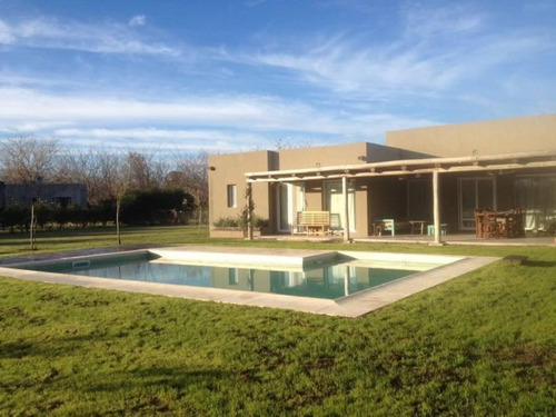 Venta - Casa En La Emilia - Bayugar Negocios Inmobiliarios