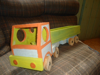 Carreta De Madeira Brinquedo De Criança Só 50,oo Reais .
